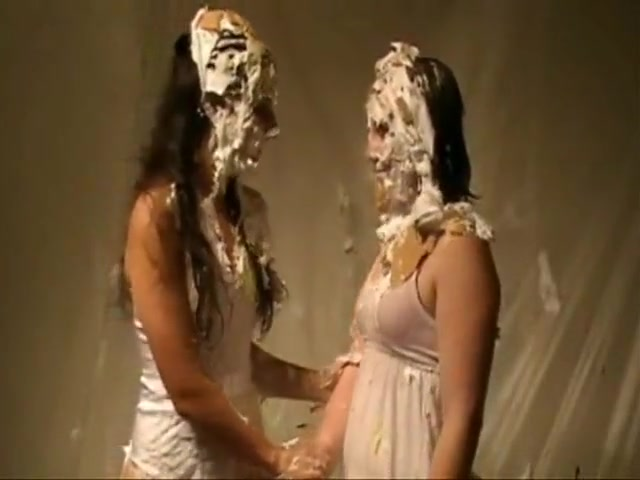 pie and slimed girls
