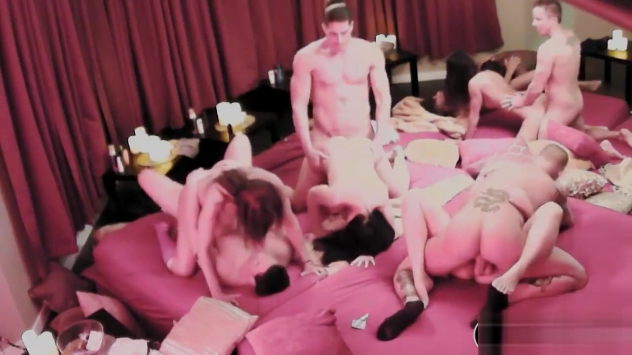 Married Partners Swinging And Orgy In Playboy Mansion Blonde Hd Fuck