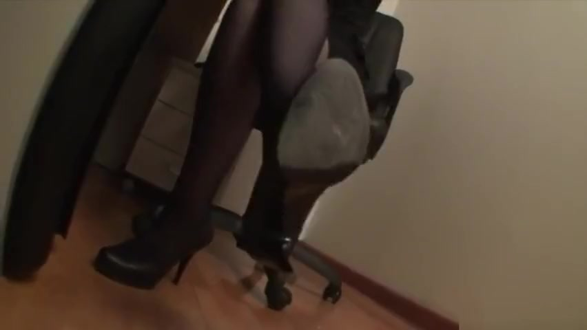 Goddess Victoria In The Office