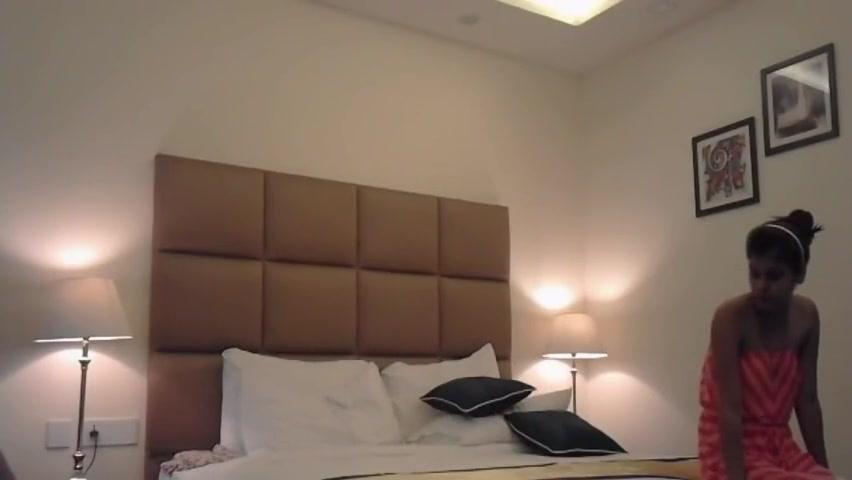 New Delhi Teen Simrat Kaur Hotel MMS free sex anal videos
