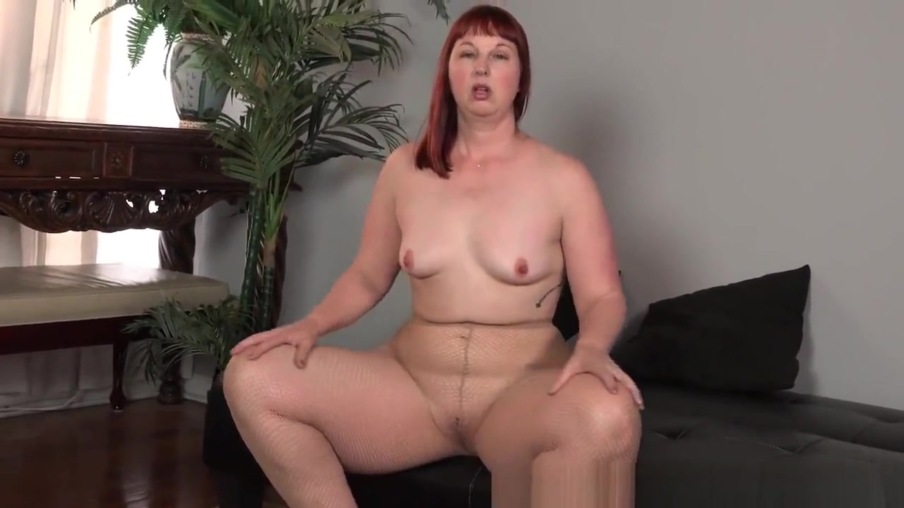 USA milf Scarlett lets you enjoy her meaty saddle bag hips sexy hot nude models