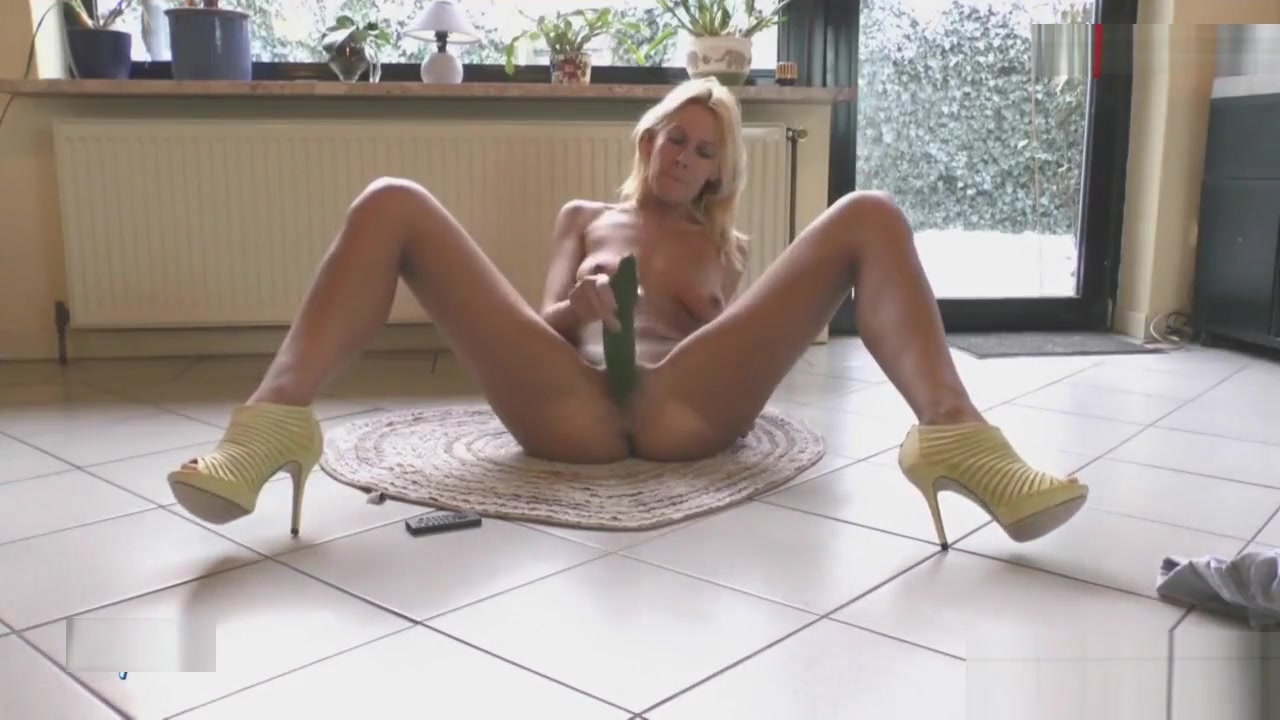 Mydirtyhobby - Horny MILF masturbates in the floor Final fantasy sex pics