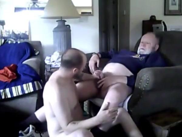 Polarbear serviced by son biggie smalls son gay