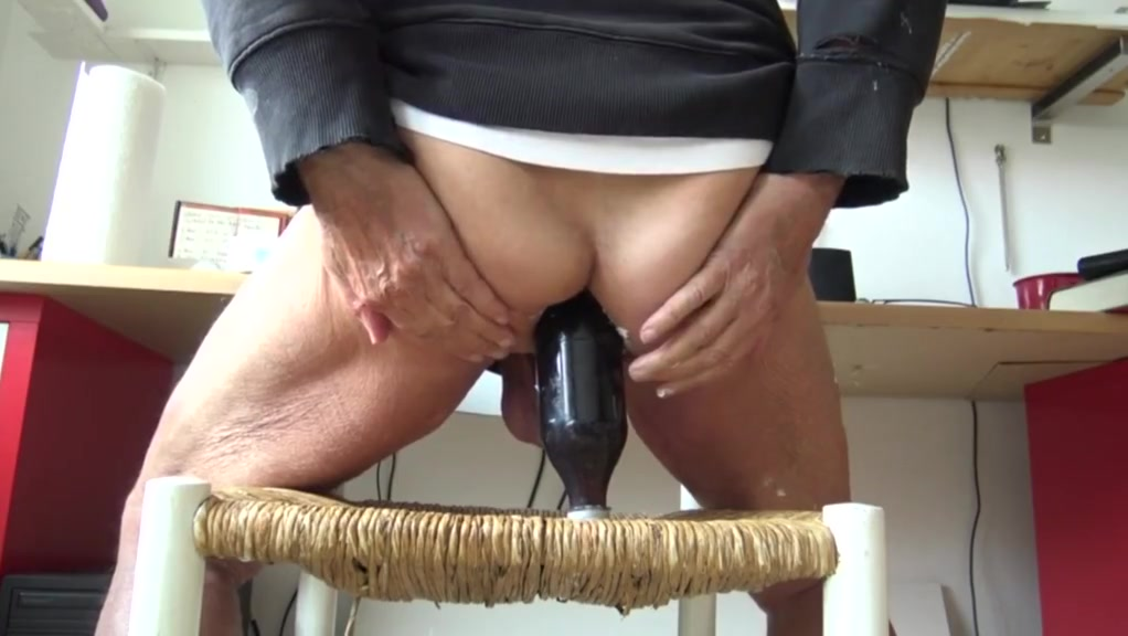 stretching old ass with cokebottel and dildo Grant reynolds sommelier