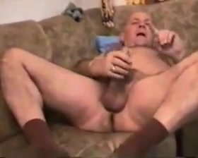 Old mature grandpa fucking with a younger men Kiwi gay