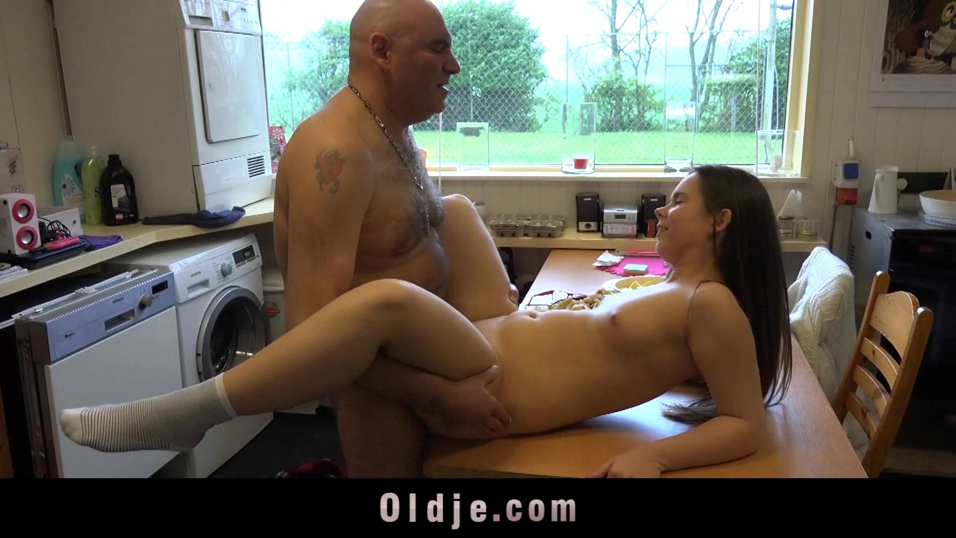 Inexperienced, young babe first fuck with an old man I want a one night stand
