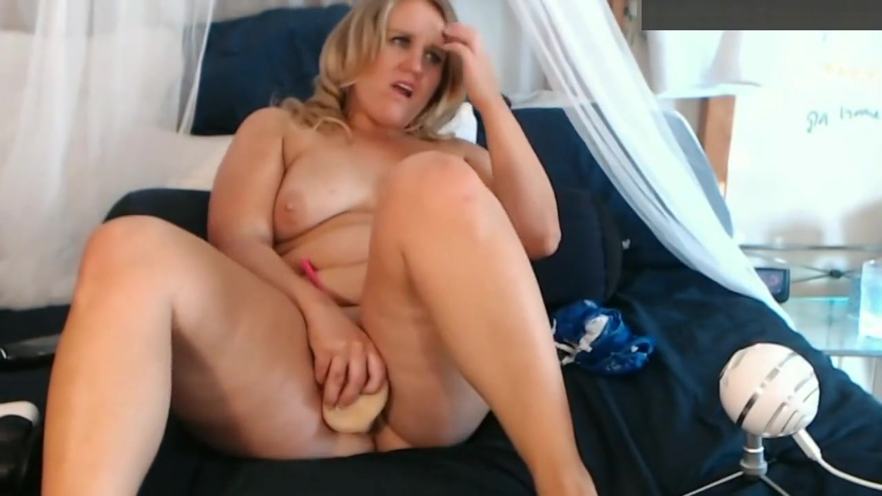 Milf Chubby Blonde Hottie Fucks Her Pussy With A Dildo Hot naked big ass pics
