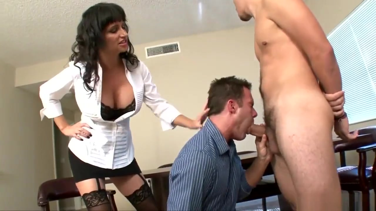 Boss makes her employees blow each other and share a double ended dildo download video mobile sex