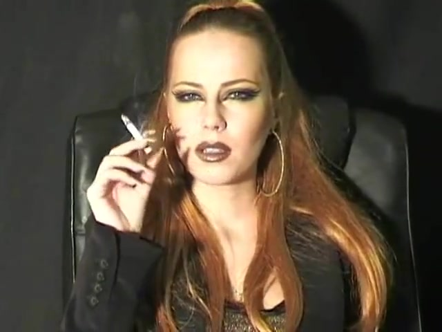 Mistress Marilyn - Smoking 5 Free chubby chat