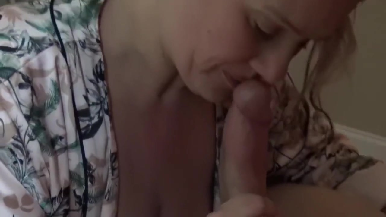 Heather First Video Showing Face- Hubby Filming 9 Fat Cock- Preview birthday sex club version
