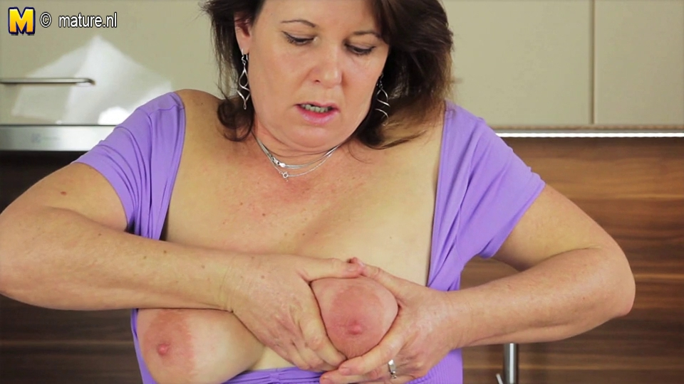 Real aged whore mommy cant live without to play with her soaked bawdy cleft ass boobs and pussy