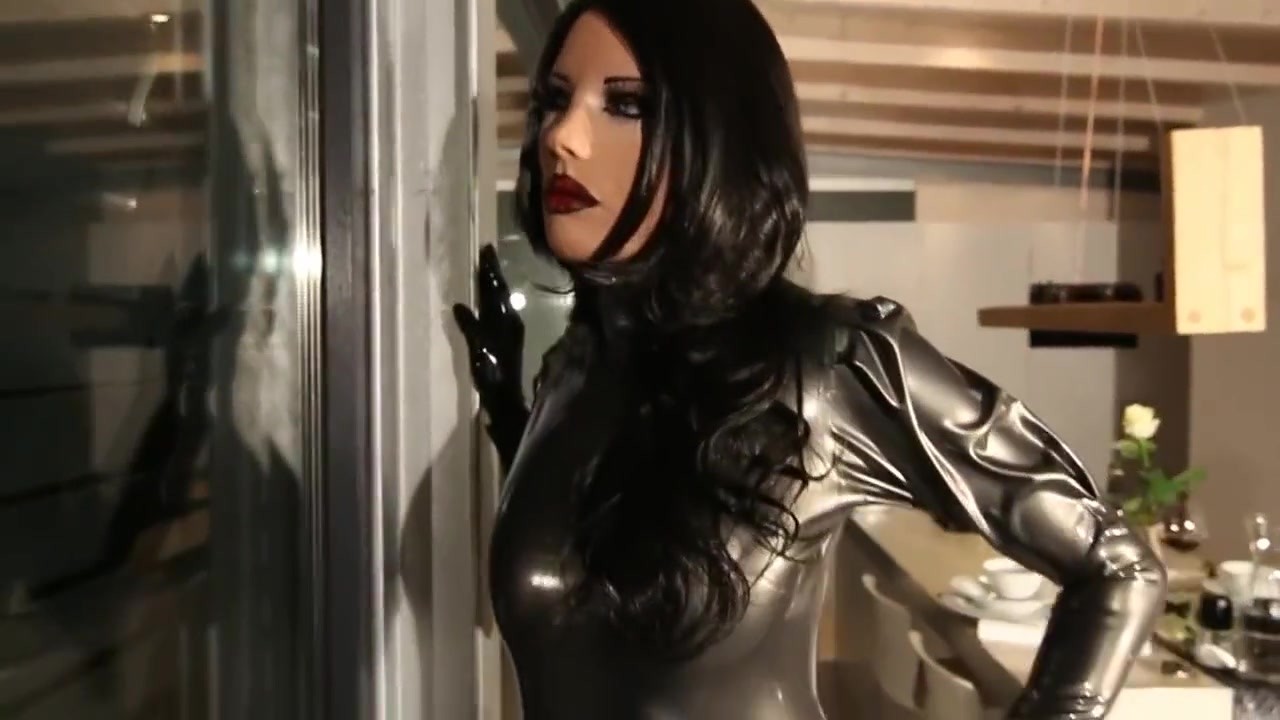 lovely latex doll Mia Japan porn outdoor