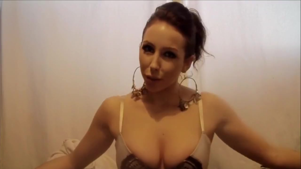 Financial Domination Mistress Jennifer Best threesome in the bedroom