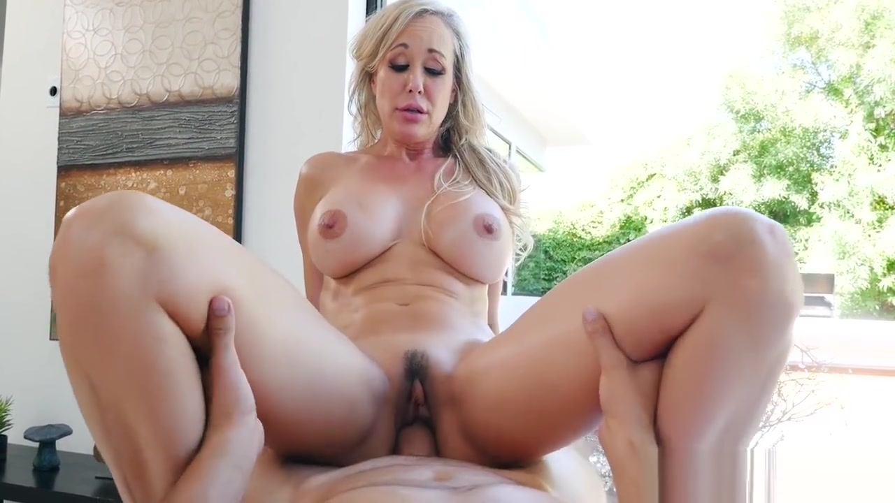 Brandi Loves fit MILF body needs a rubdown Old style penterations and shaving