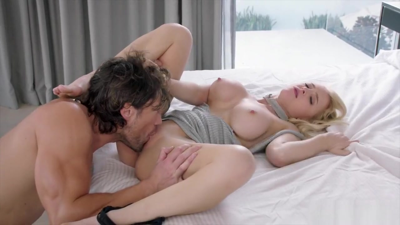 Taking control over his cock is easy for salacious Alix Lynx Milf sec comic