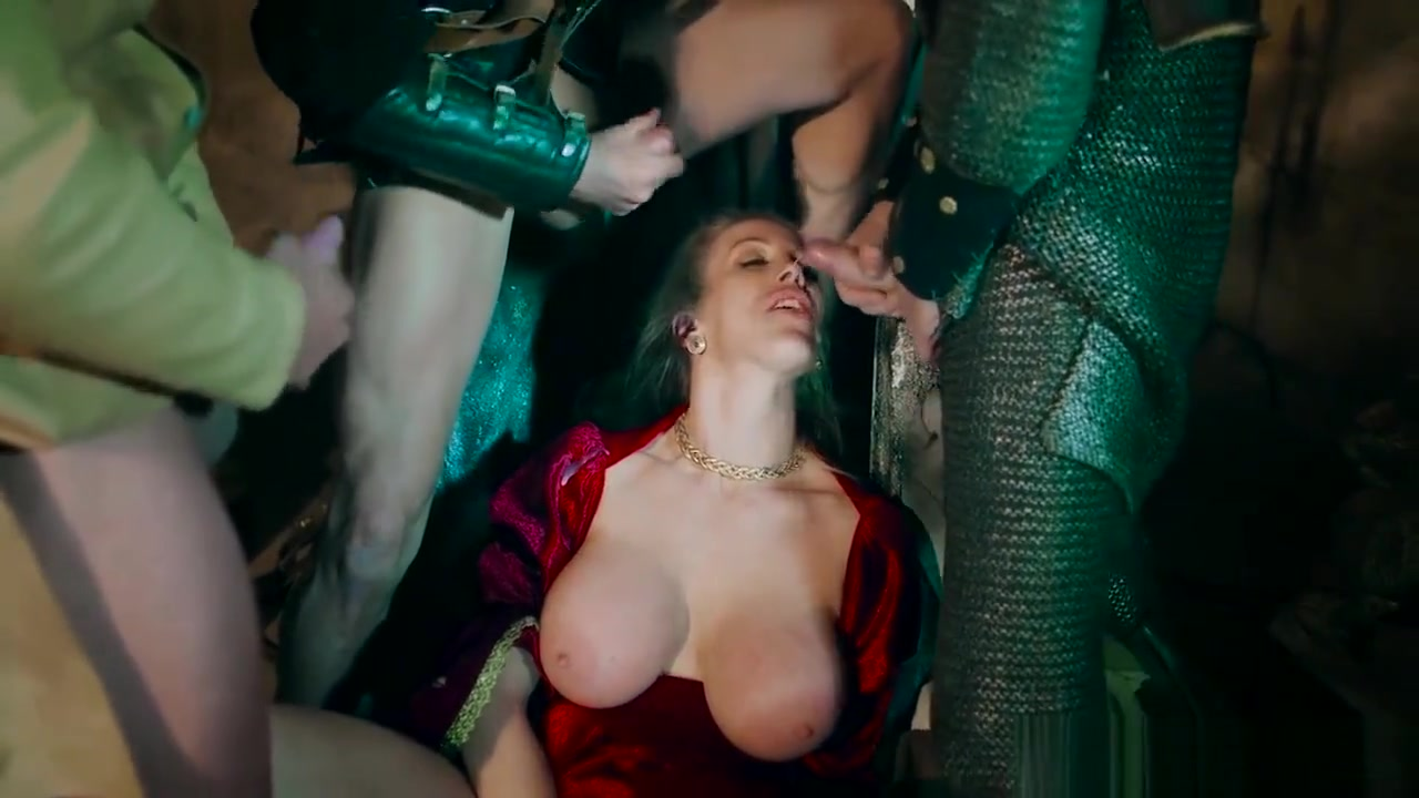 Fucking the queen on of the iron throne one last time Cum Eating Anal