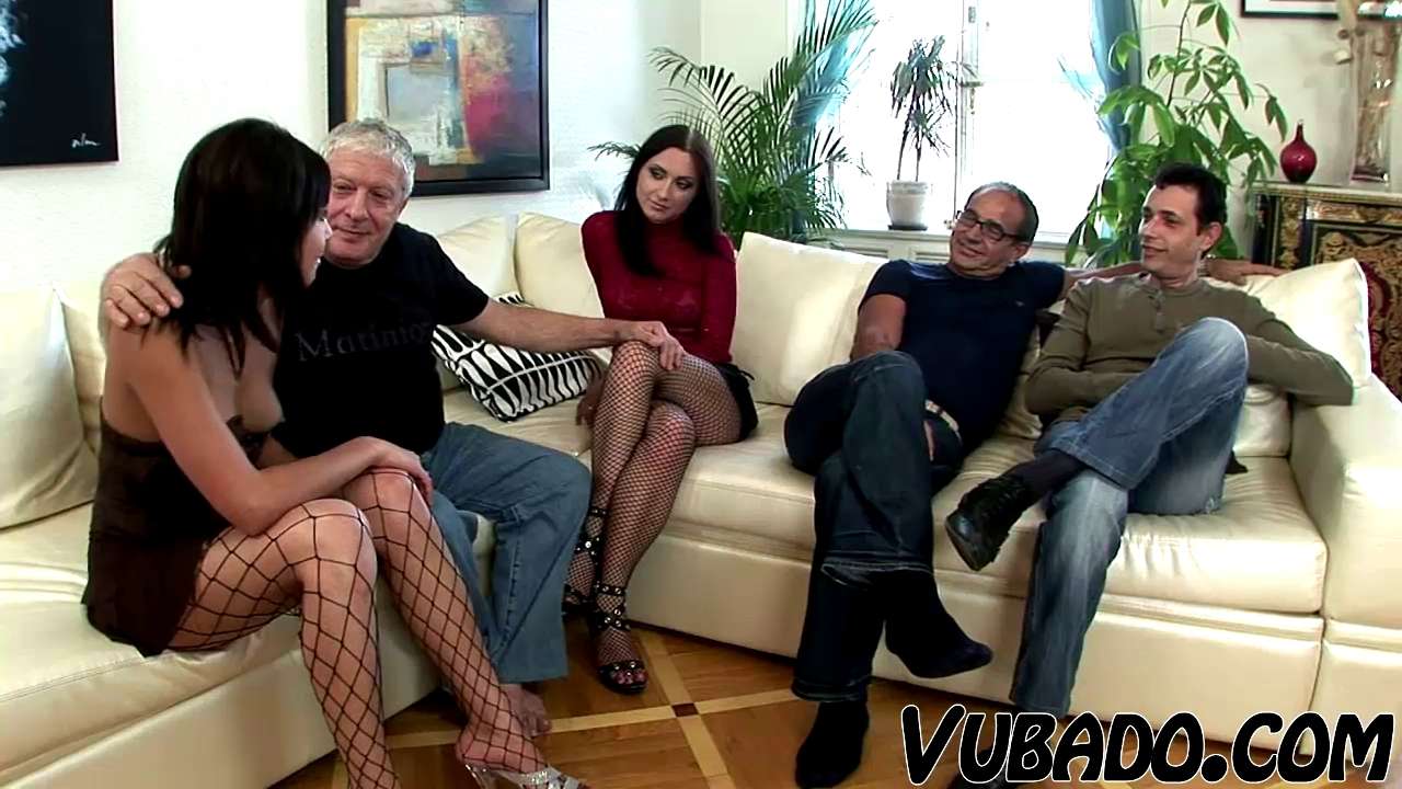EXTRAORDINARY SEX BY OLDER VUBADO COUPLES !!