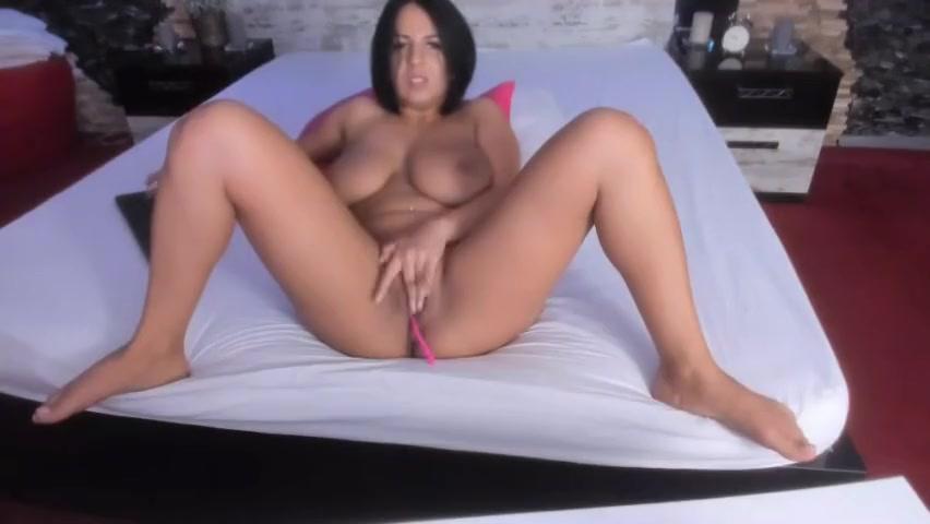 Woman with bigtits masturbating on Latinacamtv