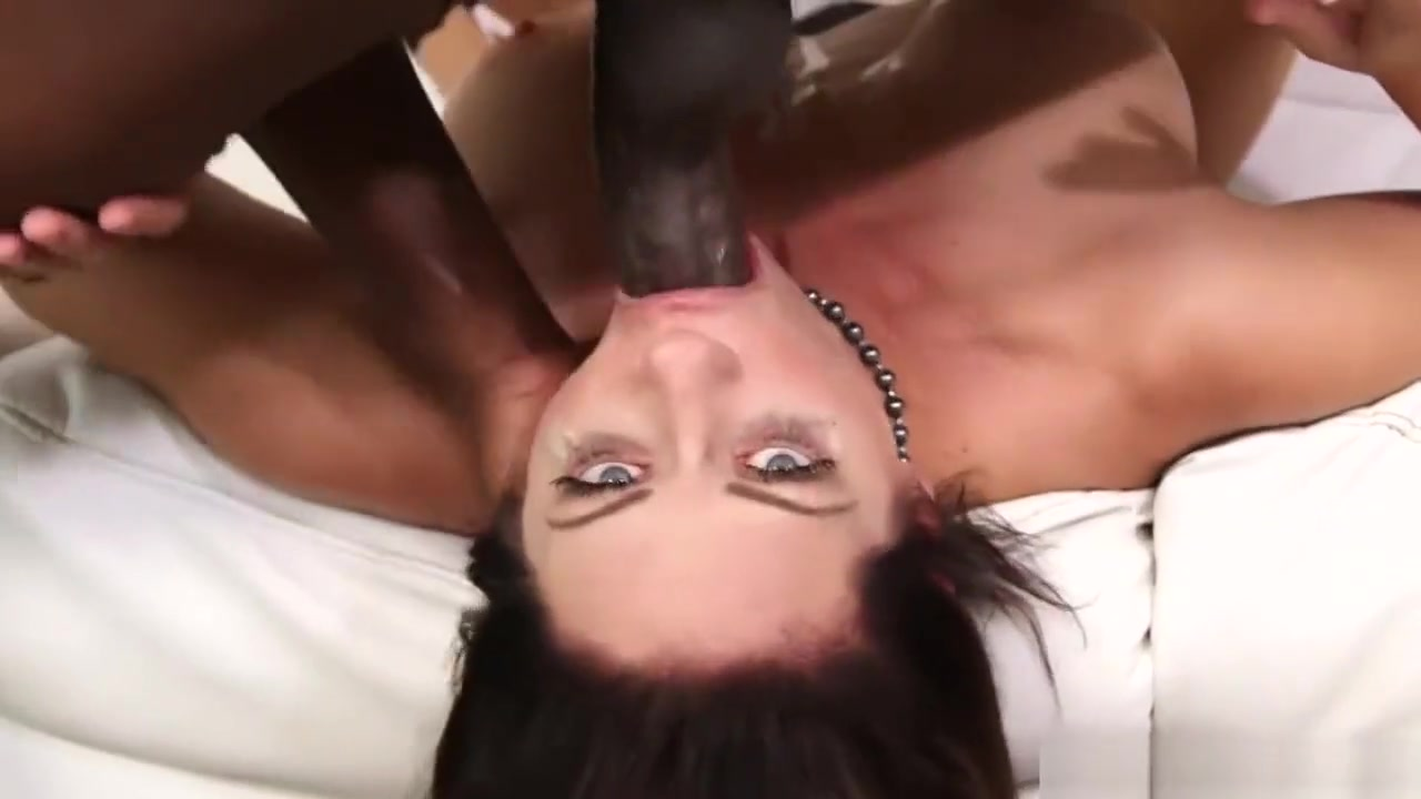 Busty green eyed vixen mouth fucked