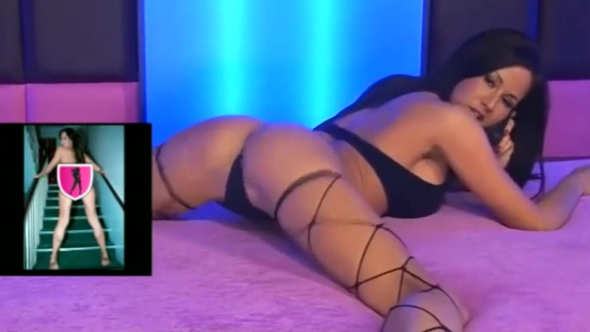 Lolly Badcock juicy in fishnets
