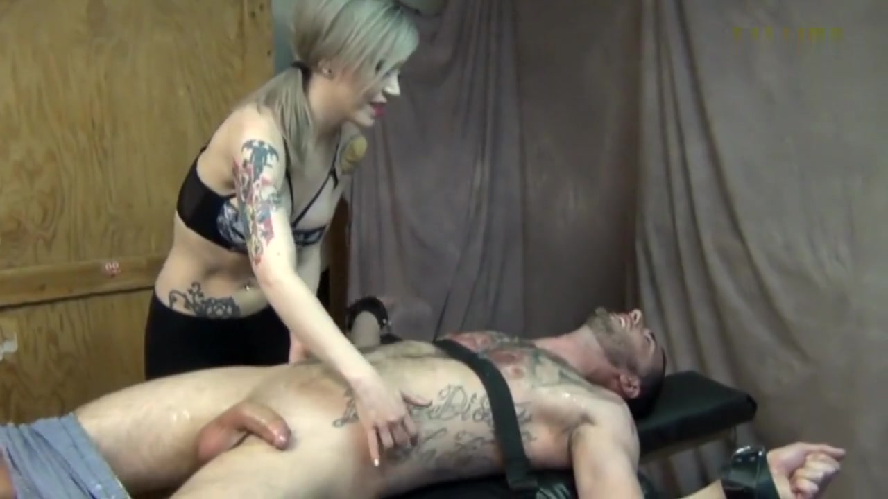 mercilles tickle Big booty mature solo