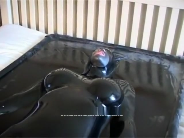 Girl Tries Vacbed For The First Time inexperienced girls having sex videos