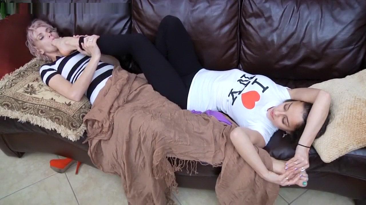 HONEY Eat My Feet While You Sleep son ye jin naked