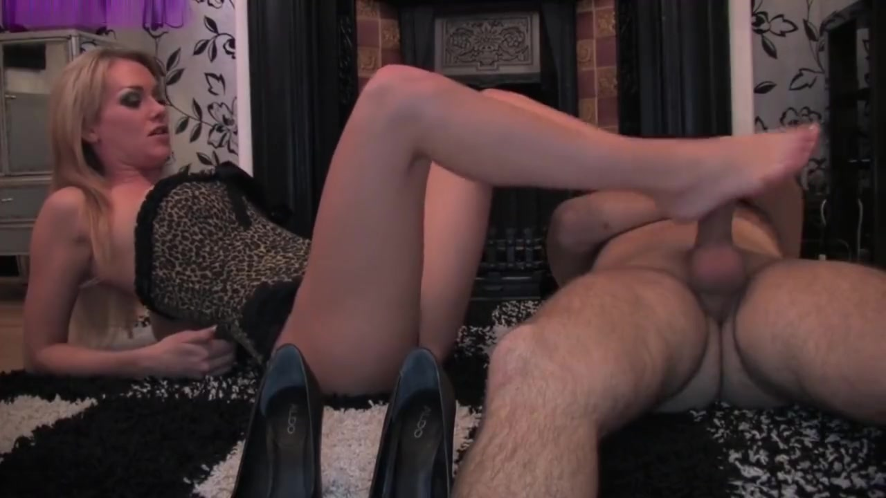 Sexy blonde gives footjob Hairy Mature Big Ass