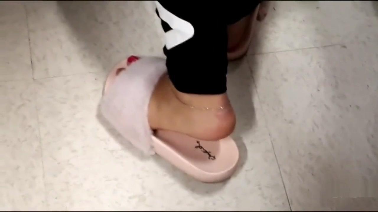 Candid Feet 157 blonde hairy pussy teen xxx 1