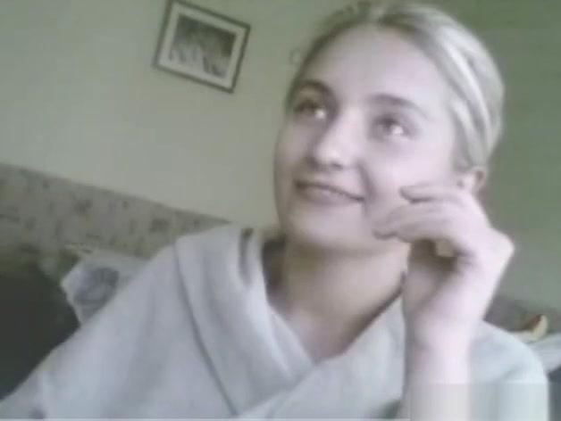 Sexy blonde babe on webcam