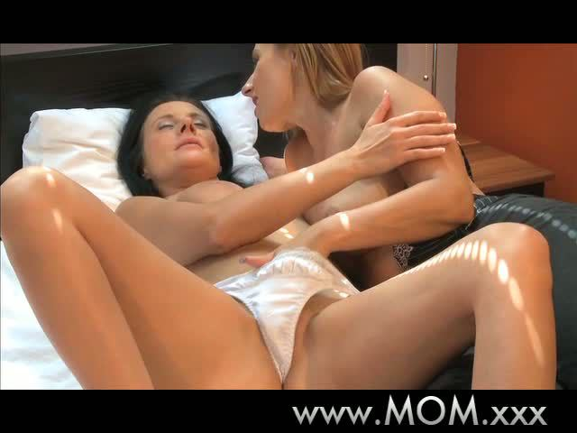 MAMA Breasty wives try lesbo sex