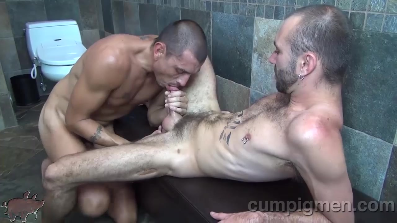 Crash Michaels sucks off Ethan Palmer - CumPigMen Free Online Hookup Sites For Usa