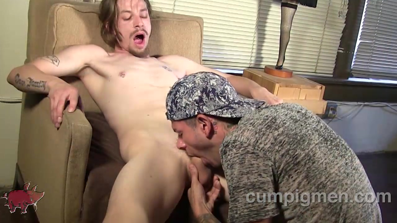 Tristan Mathews Blows Chubbs Locklear - CumPigMen Blonde naked big butt car