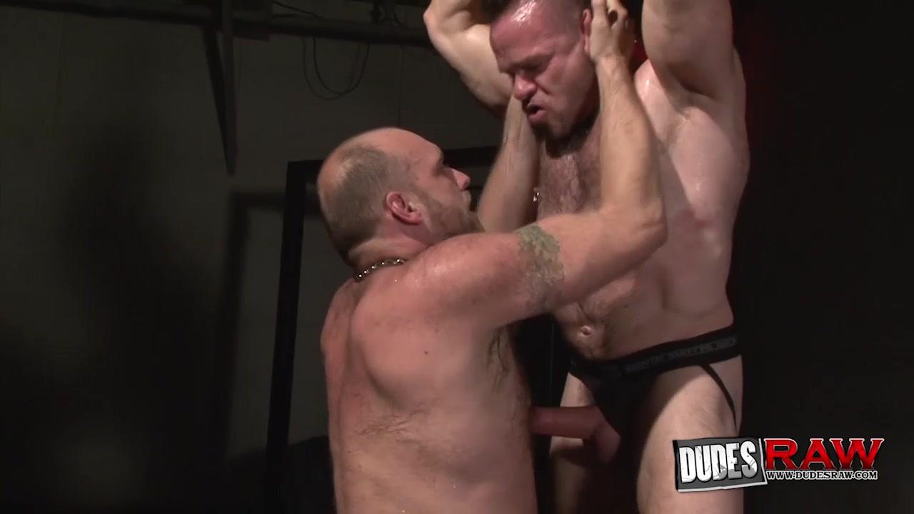 Peter Axel and Carl Barnes Bareback Flip Fuck - DudesRaw Malr masturbation porn gifs