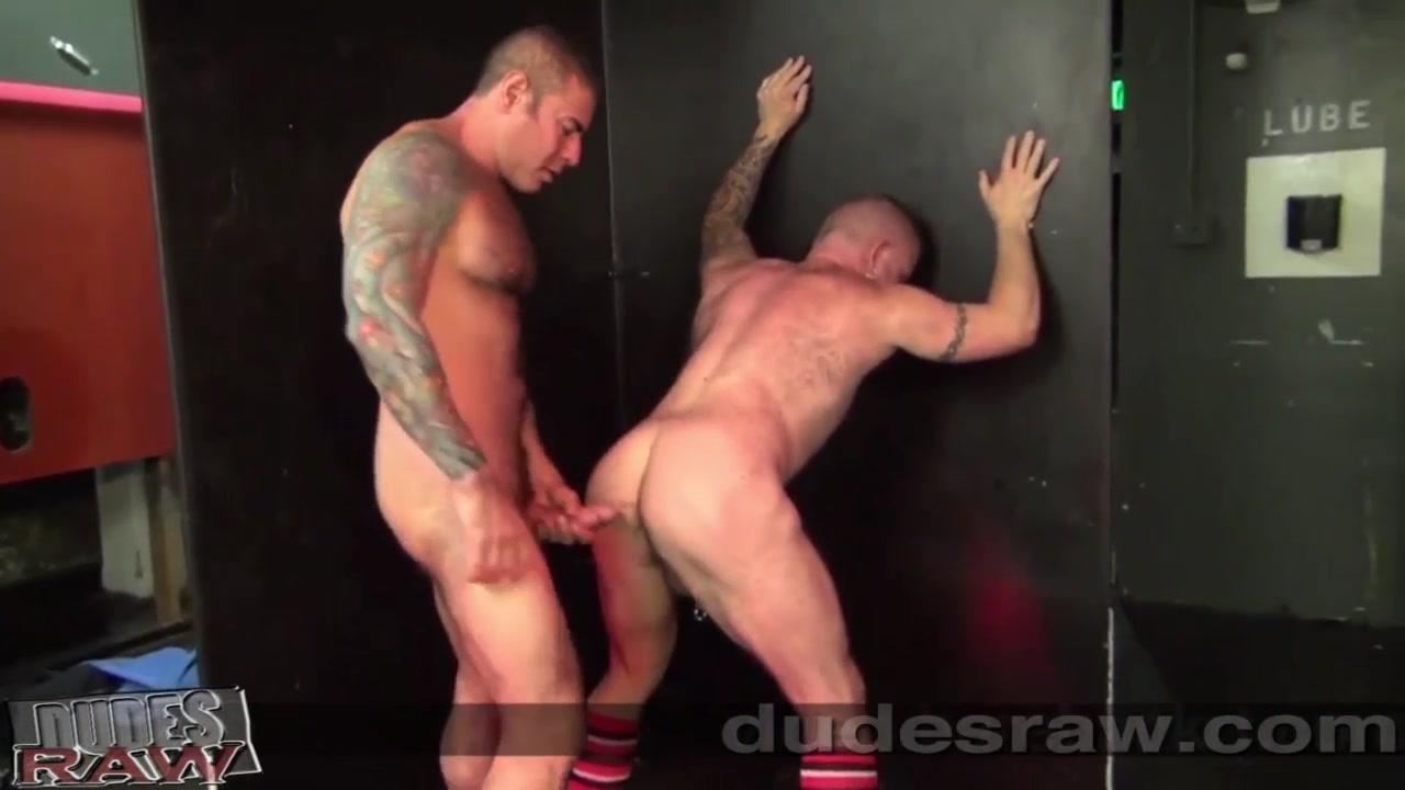 Nick Moretti and Patrick DeLuca Bareback - DudesRaw Blacked comfree