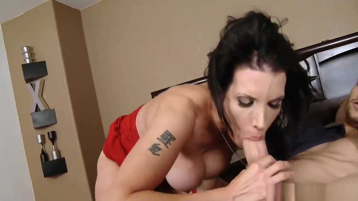 Slutty Cougar Loves To Suck Cock