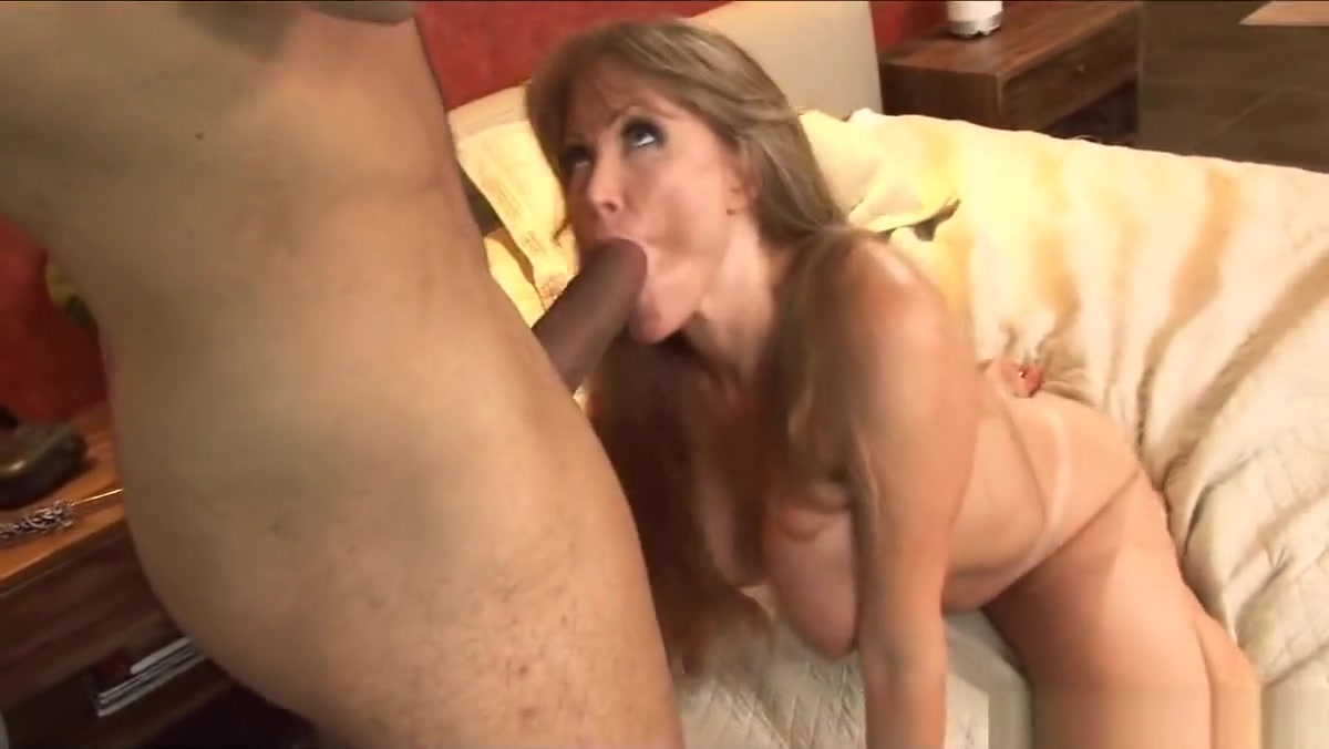 Horny Cougar Gets A New Guy To Fuck