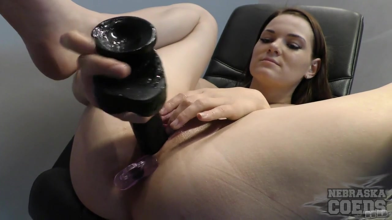 Huge Black Dildo Almost Tearing Sexy Beckys Pussy With Anal And Dp – NebraskaCoeds
