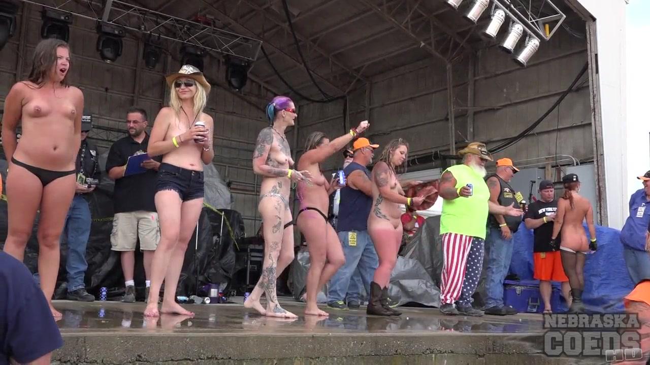 Huge Amateur Wet T Contest At Abate Of Iowa 2016 – NebraskaCoeds