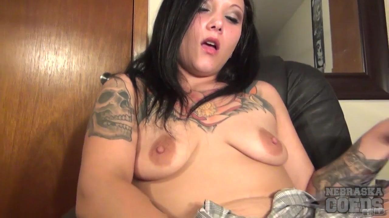 Des Moines Stripper Harley Office Chair Masturbation - NebraskaCoeds Perfect lezzies spoiling their vulvas
