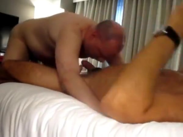 When Boston Daddy Bear Meats California Cocksucker. Mega Porno Tuber