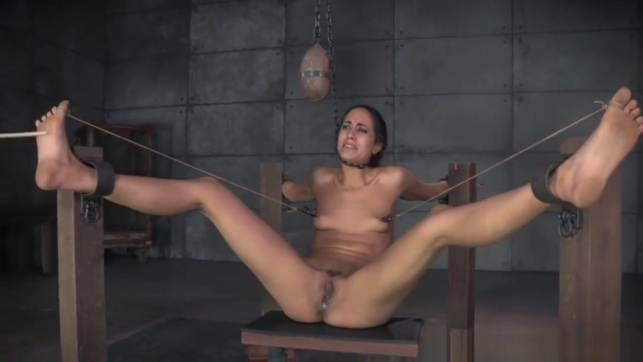 Restrained Teen Pussytoyed By Maledom Spanish adult movie