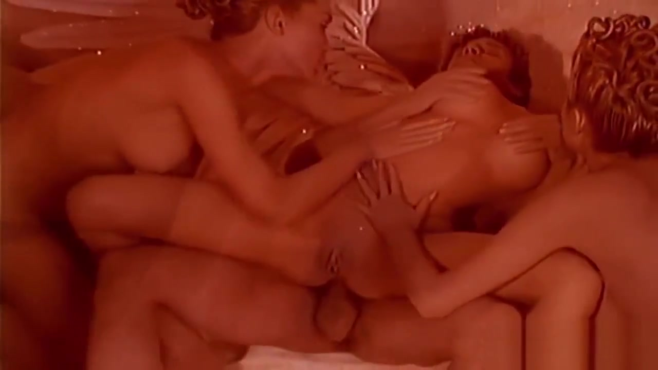 Reverse Orgy Session With Three Hot Darlings Hidden massage xvideos