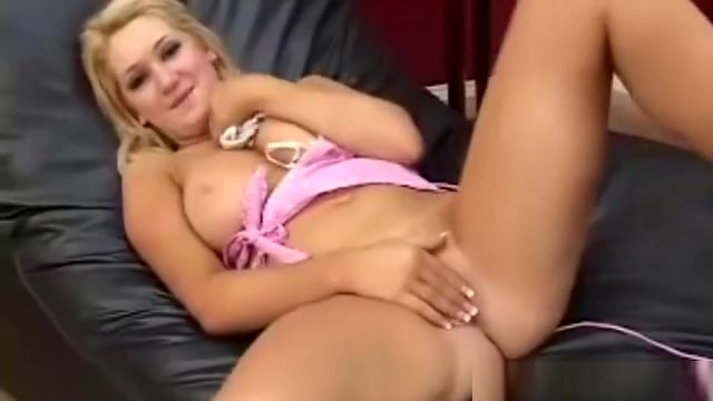Playing With Panty And Masturbating Sex girl in Rize