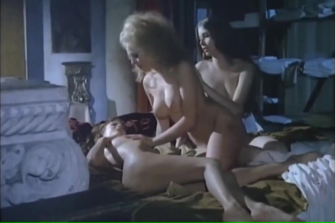 Olivia PASCAL, Lillian MULLER, Jenny ARASSE CASANOVA NUDE (Only Boobs Scene young girls having sex with older guys