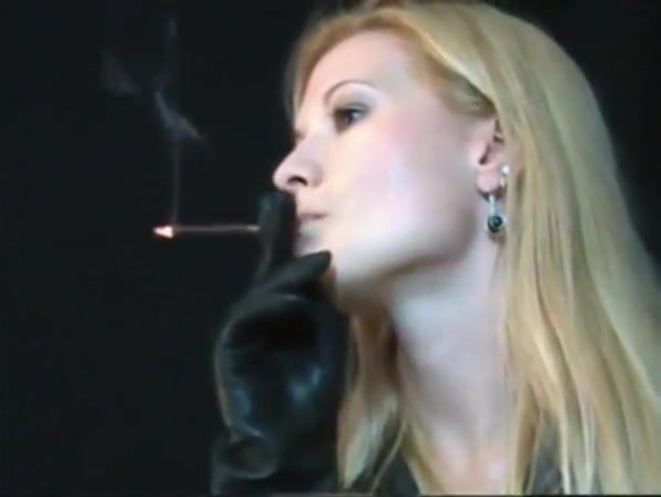 Leather glove Smoking men who like receiving anal