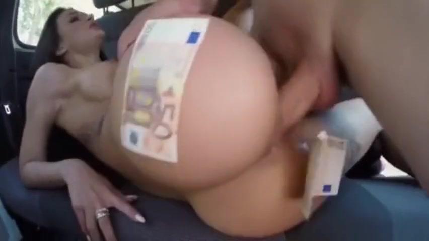 a slut get fucking hard in the car