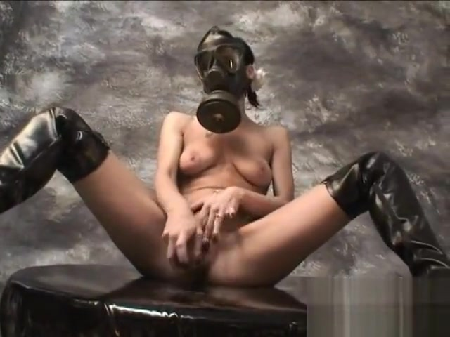 Gasmask Masturbation Date cougars for cash