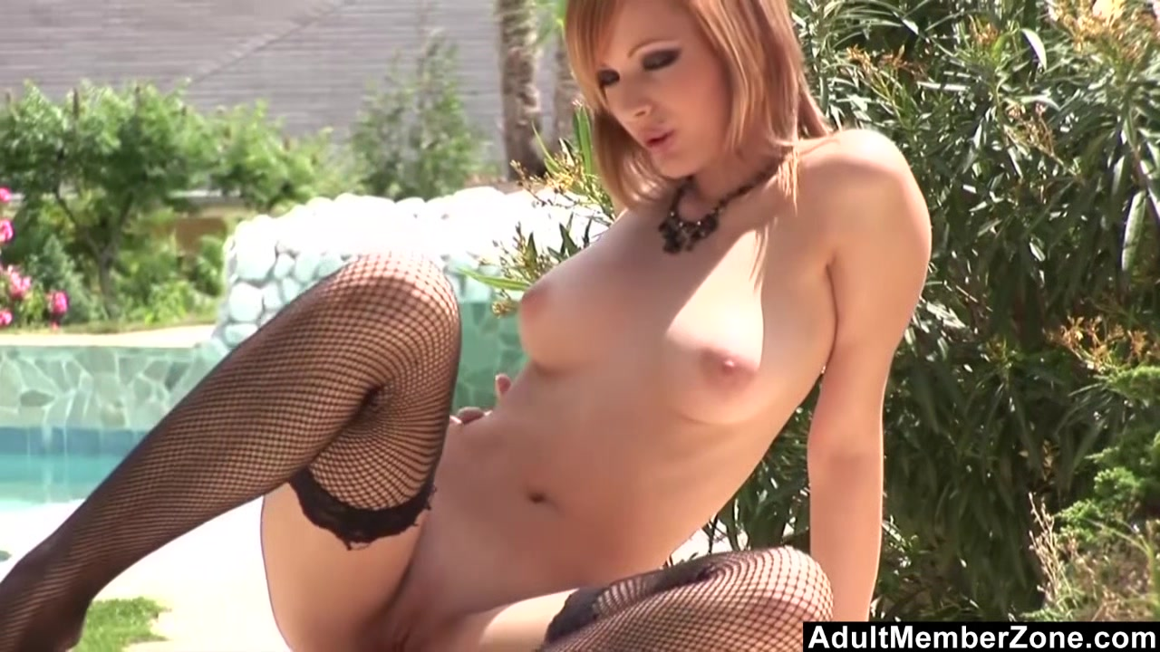 Sophie Cox Solo Playing Outdoors porno mom and sun