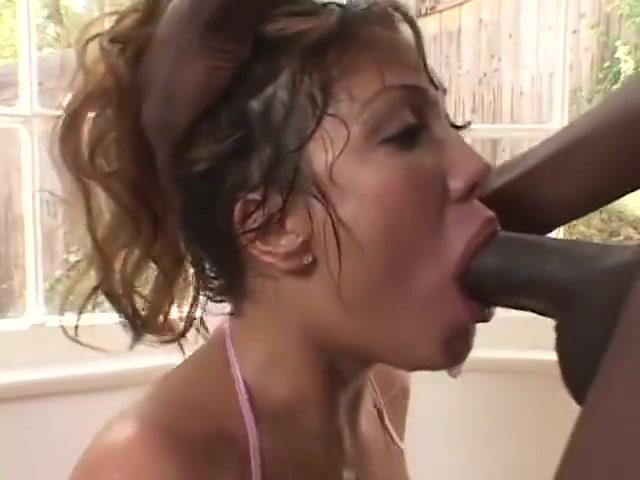 ADevine increible mamada garganta profunda con polla negra enorme